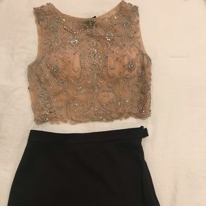 Embroidered 2 piece set